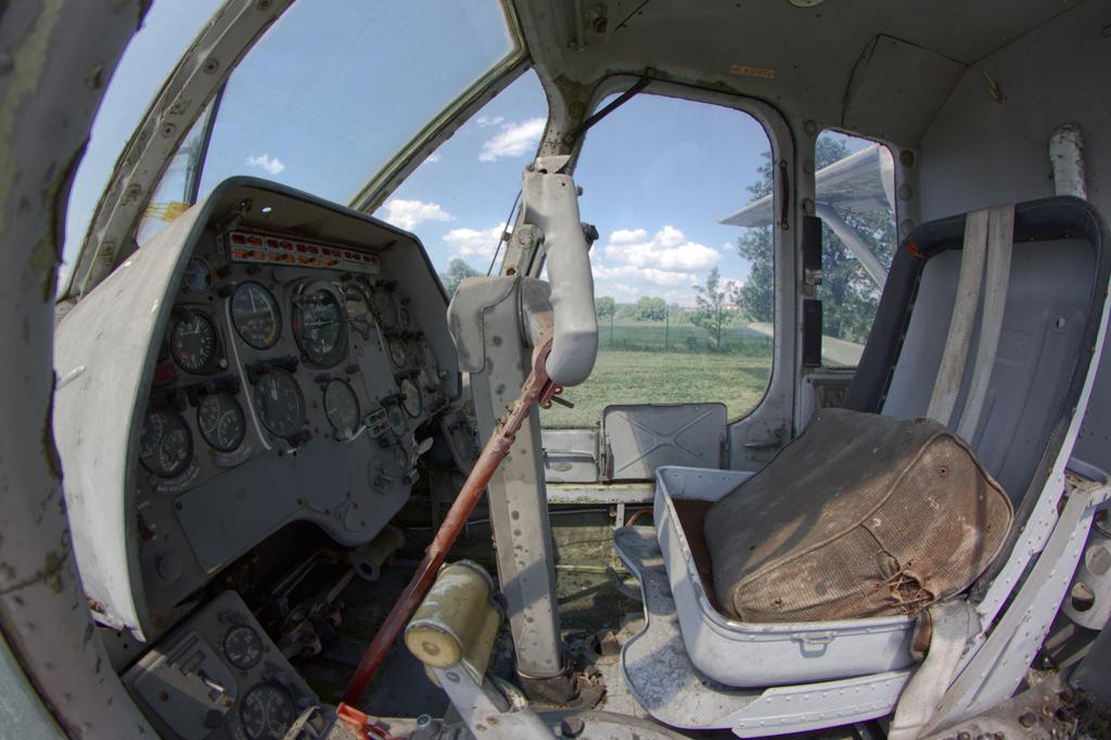 PZL M-15 cockpit